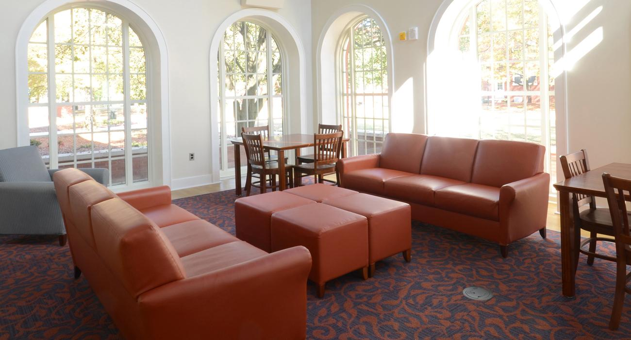 Facelift Revival Lounge Seating